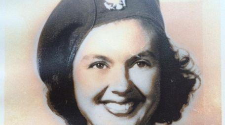 Grace 'Betty' Lotowycz, shown in her WWII Women
