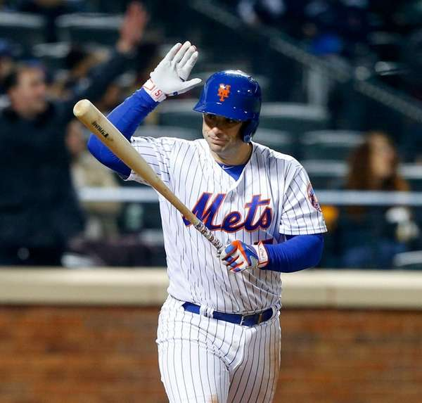 David Wright is upset on a flyout on