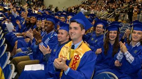 Graduating students from the Hofstra University Class of