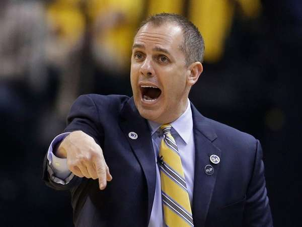 Indiana Pacers head coach Frank Vogel shouts instructions