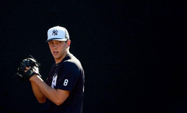 Lamb's 3-run HR helps D-backs beat Yankees 12-2