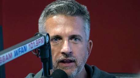 Guest host Bill Simmons talks with Mike Francesa