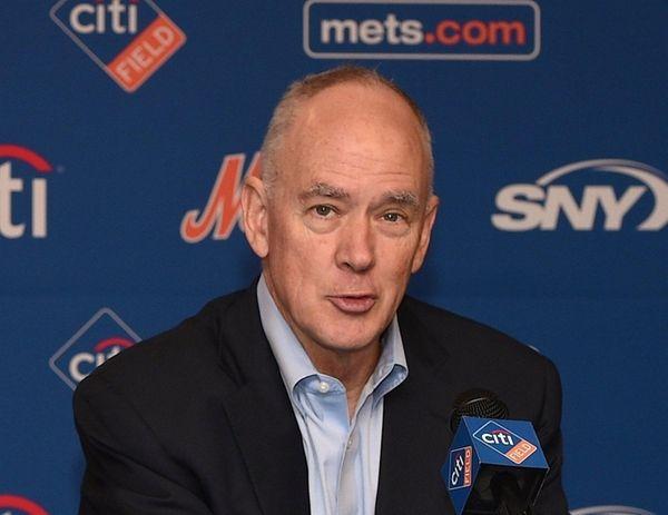 New York Mets general manager Sandy Alderson speaks