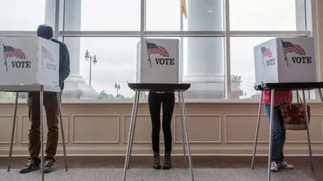 McCracken County residents vote at the Lang No.