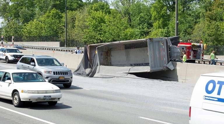 A tractor trailer that had been hauling gravel