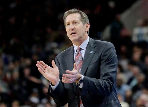 Jeff Hornacek, then with the Phoenix Suns, talks