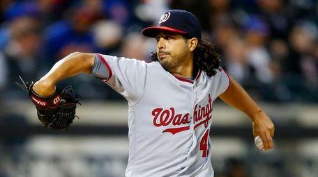Gio Gonzalez #47 of the Washington Nationals pitches