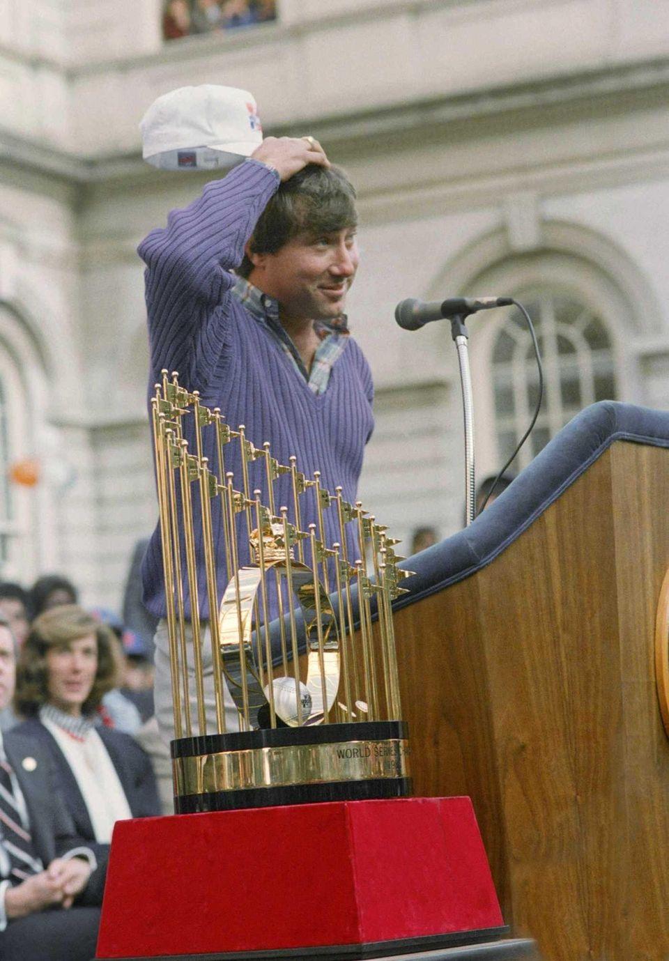 New York Mets third baseman Ray Knight, the