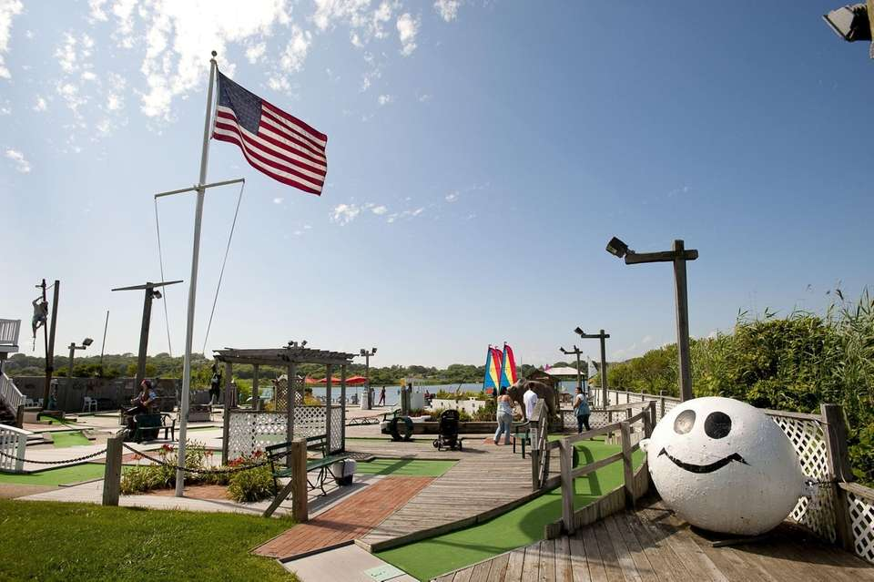 Exterior of the Puff and Putt mini golf