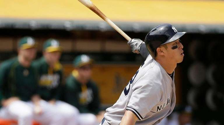 New York Yankees' Rob Refsnyder hits two-run double