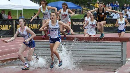 Kellenberg's Nora Bennett leads the runners at the