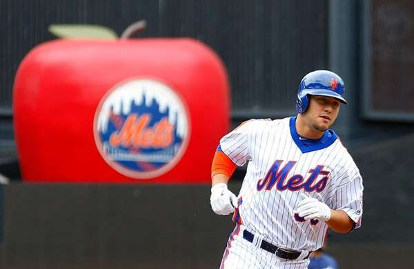 Michael Conforto #30 of the New York Mets