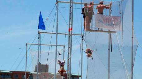 I.Fly Trapeze offers lessons for kids as young