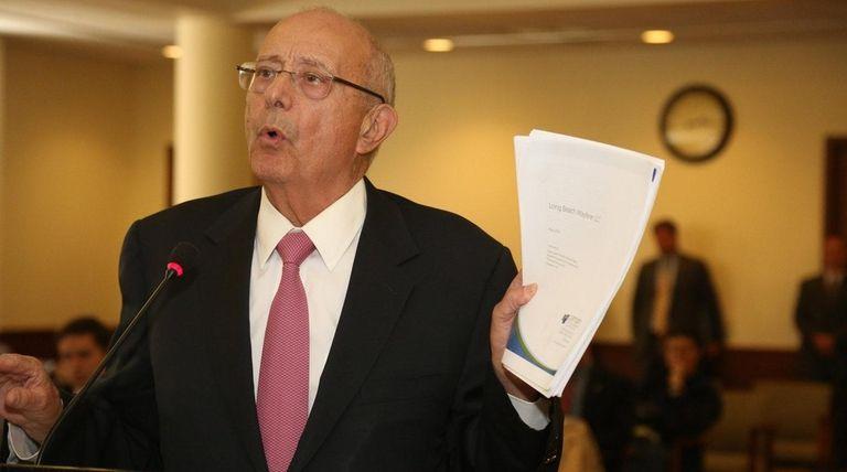 Former U.S. Sen. Alfonse D'Amato urges the Nassau