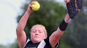 Clarke's Sarah Cornell delivers a pitch during the