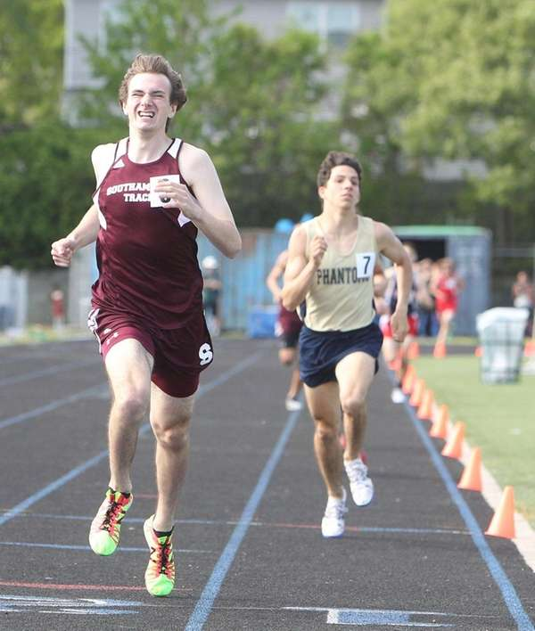 Southampton's Spencer Crough wins the Division III 800-meter