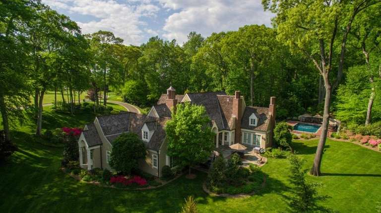 This Colonial in Mill Neck, listed for $5.85
