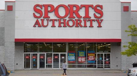 Sports Authority, 2110 Nesconset Hwy. in Stony Brook,