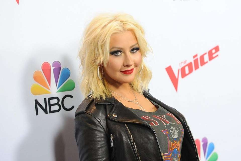 Christina Aguilera became the first female coach on