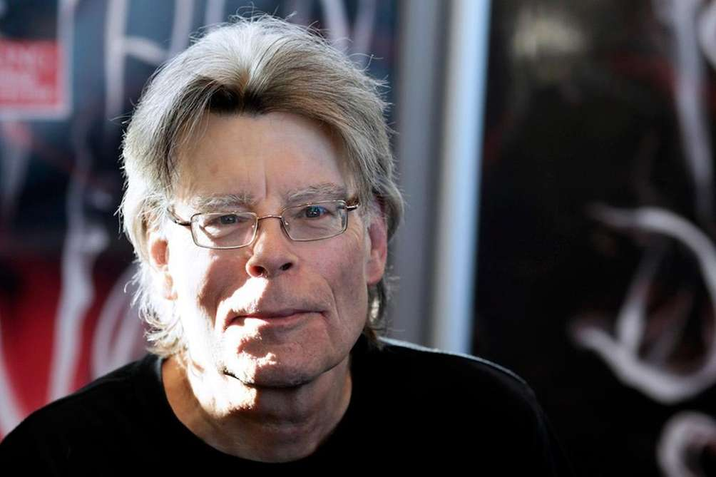 Author Stephen King joined over 400 writers in
