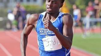 Hempstead's Tyrese Halls takes 1st in the boy's
