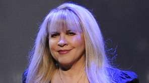 Stevie Nicks performs at the Bank Atlantic Center