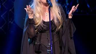 Stevie Nicks of the band Fleetwood Mac performs