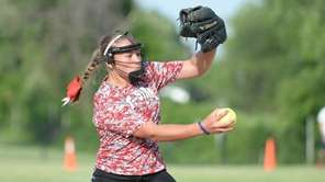 Mount Sinai's Kelsey Carr struck out 13 in