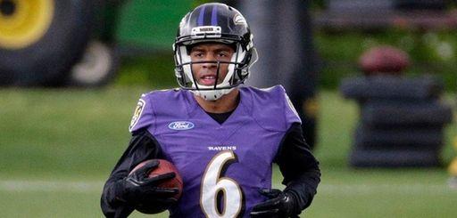 Baltimore Ravens wide receiver Keenan Reynolds jogs during