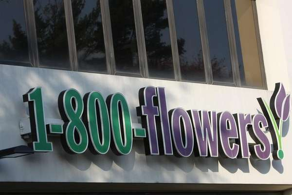 Three franchisees of 1-800-Flowers.com have sued the online