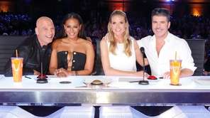 Howie Mandel, left, Mel B, Heidi Klum and