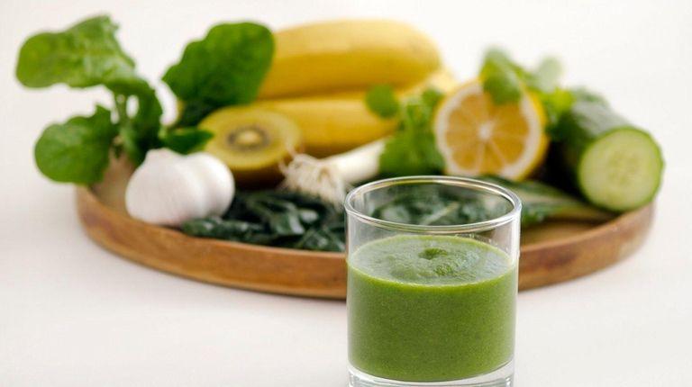 A green smoothie alkaline diet drink, with alkaline