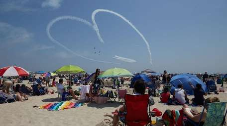 The GEICO Skytypers perform at The Bethpage Airshow