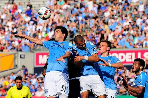 New York City FC defender Andoni Iraola, left,