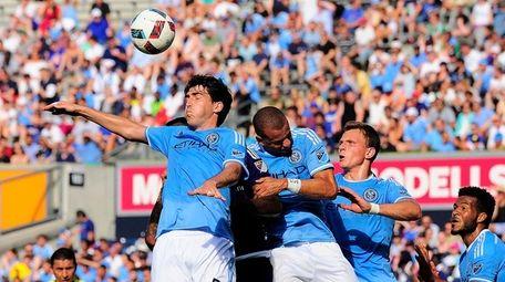 New York City FC defender Andoni Iraola, left,