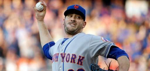 The Mets' Matt Harvey remained in a deep