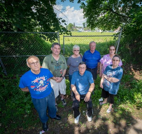 North Lindenhurst residents are concerned about a PSEG