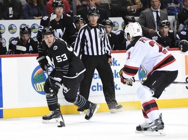 New York Islanders center Casey Cizikas looks to