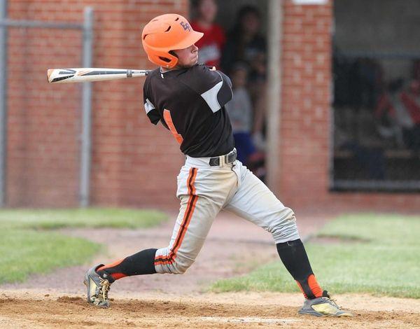 East Rockaway's Ryan Kelly (4) hits a base