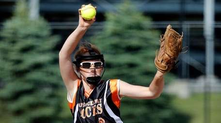 East Rockaway starting pitcher Emily Chelius delivers in