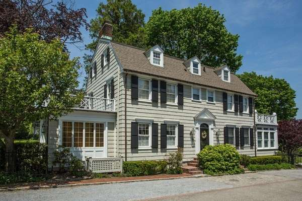 Amityville horror house back on the market for 850 000 for The amityville house for sale