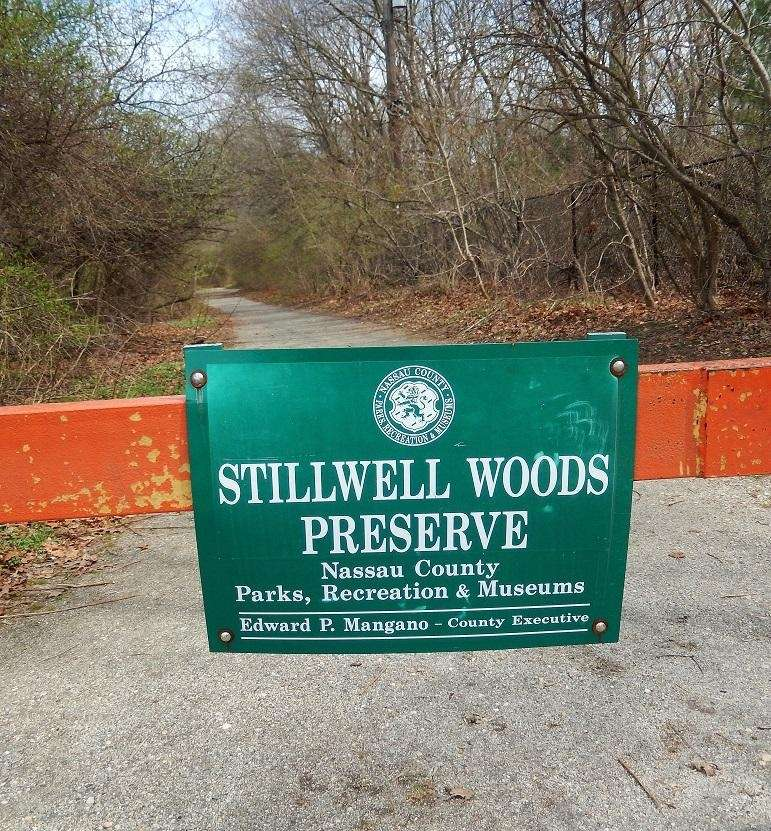 South Woods Road, Syosset, nwsdy.li/stillwell Features 270 acres.