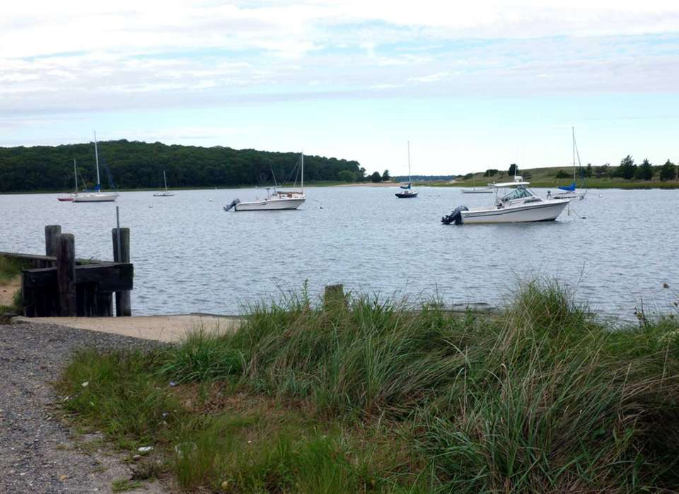 NORTHWEST HARBOR COUNTY PARK, off Swamp Road, East