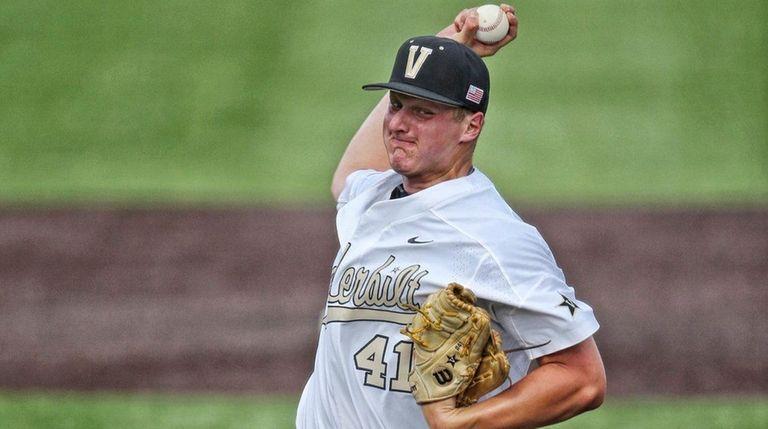 Vanderbilt freshman pitcher Donny Everett throws against Louisville