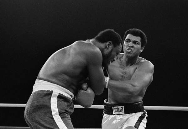 Muhammad Ali fights Joe Frazier in Manila, Philippines