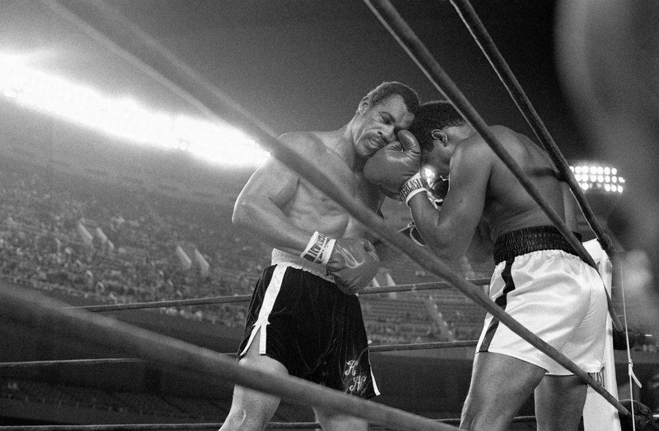 Challenger Ken Norton, left, and heavyweight champion Muhammad