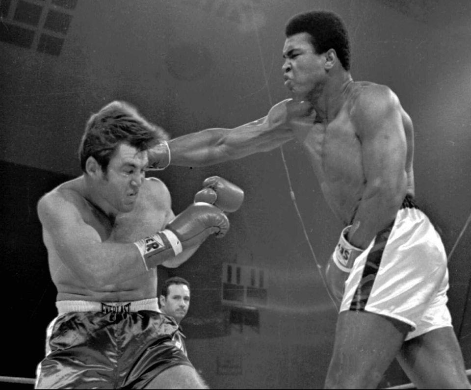 Oct. 26, 1970: Ali scores a third-round TKO