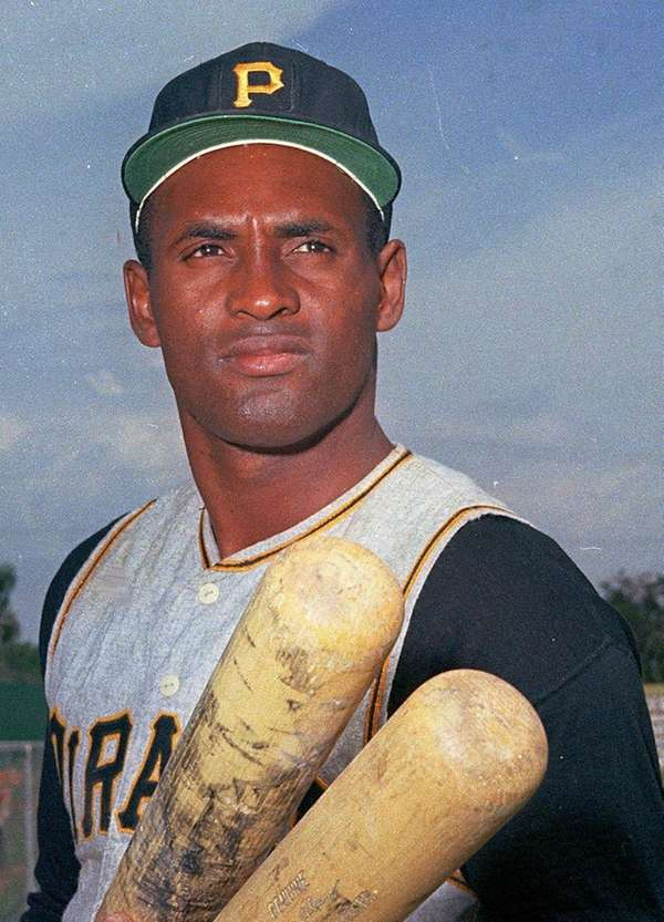 Roberto Clemente of the Pittsburgh Pirates was killed