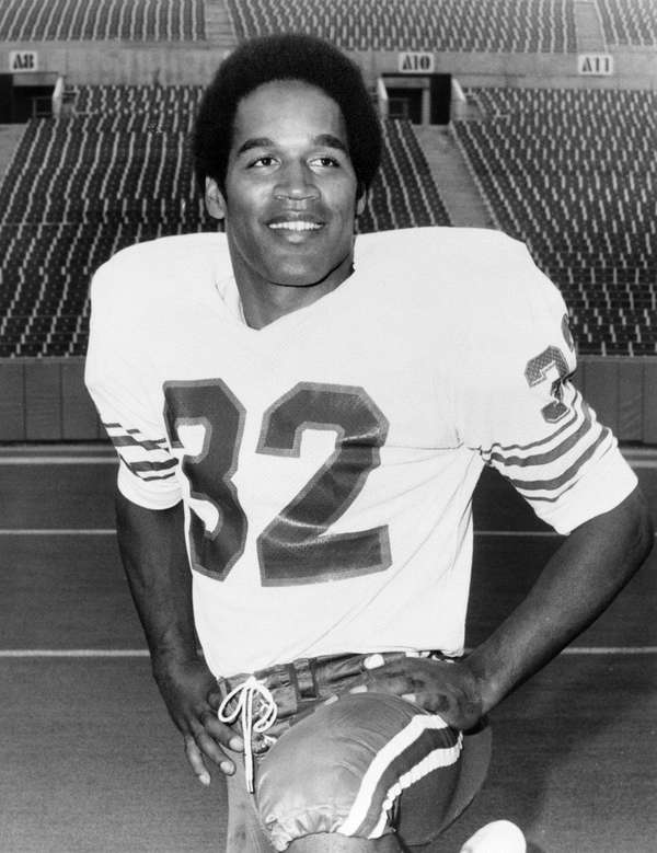 Buffalo Bills running back O.J. Simpson (32), inducted