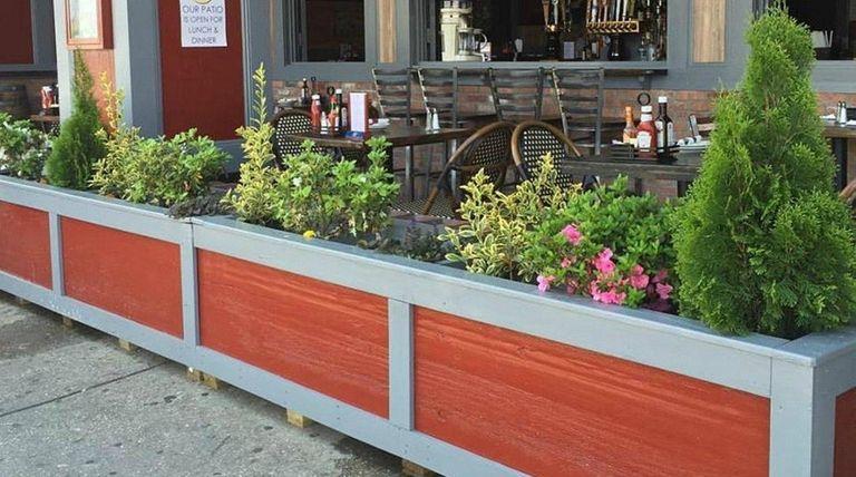 Half Moon Cafe is now open in Long